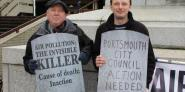 (Keith Taylor MEP joins air pollution campaigners in Portsmouth.